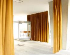 """""""Partition/Curtain Wall"""" & """"Hinter der Poststelle…"""""""